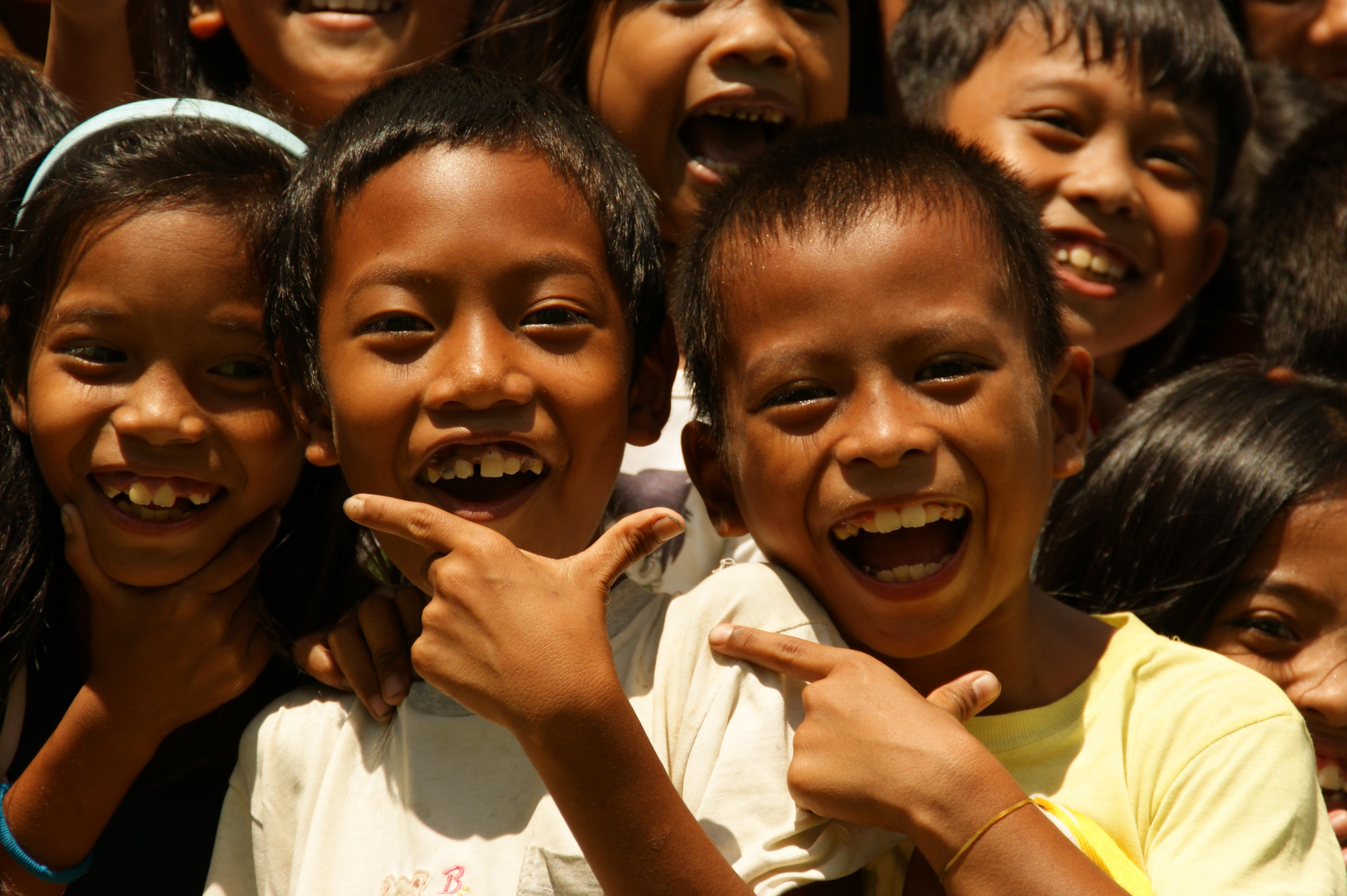 Foto de los niños de Caputatan Primary School, Camarines Sur